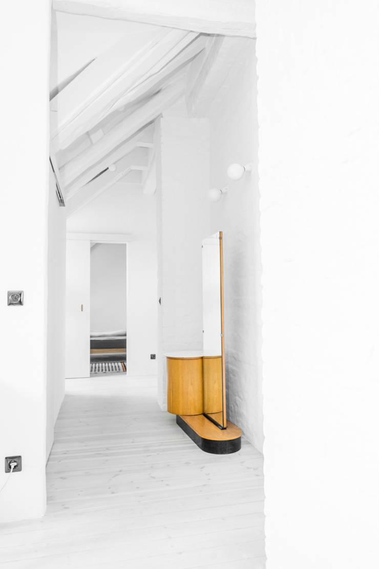 Loft pod Berlinem: styl , w kategorii  zaprojektowany przez Loft Kolasiński