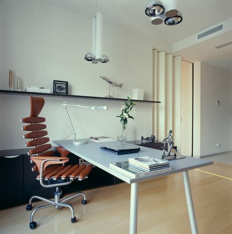 Кабинет: Рабочие кабинеты в . Автор – Архитектурное бюро Лены Гординой