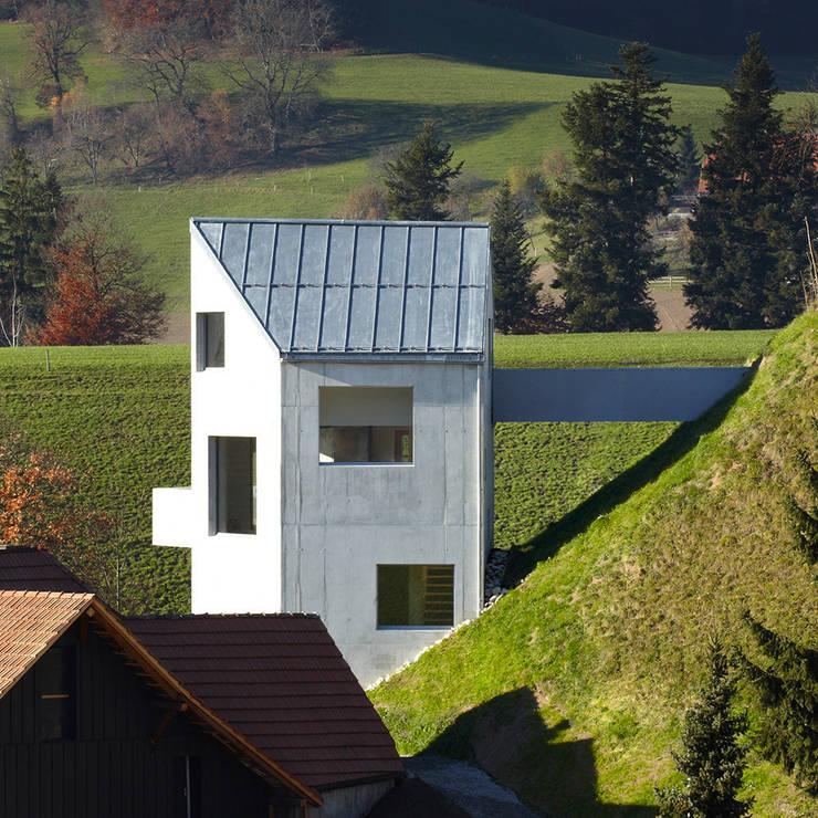 Haus Sumiswald: minimalistische Häuser von Translocal Architecture