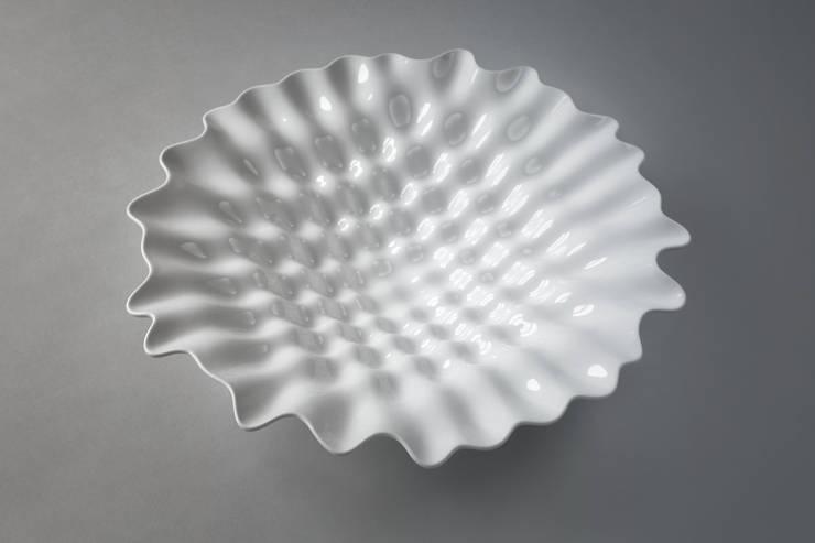 """""""Coral"""", producent: Vista Alegre Portugal: styl , w kategorii Salon zaprojektowany przez Studio Bartek Mejor,"""