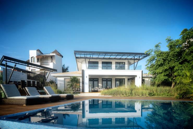 Casa SDLV: Albercas de jardín de estilo  por sanzpont [arquitectura]