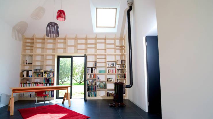 Estudios y oficinas de estilo  por ng-a