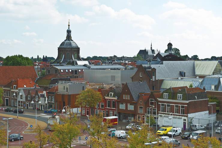 Lammermarkt Leiden (Foto: Petra Appelhof):  Bars & clubs door Ector Hoogstad Architecten