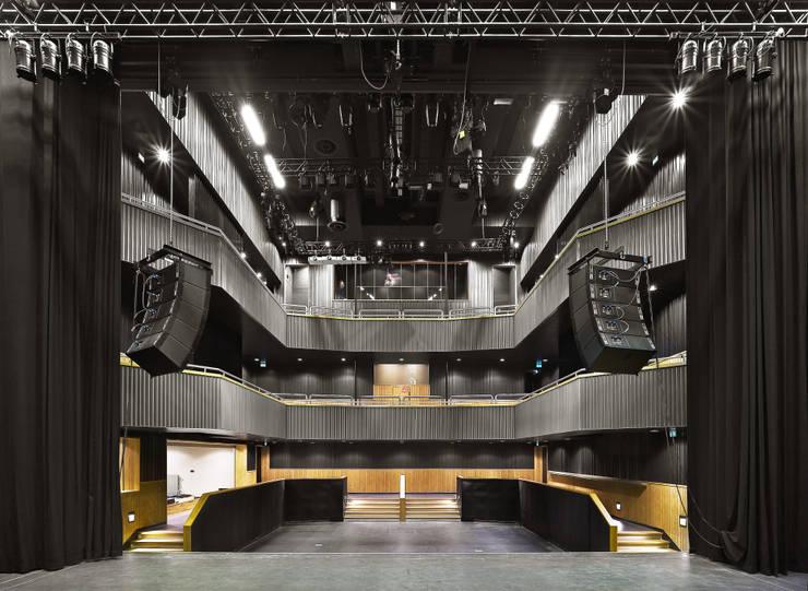 Grote Zaal (Foto: Petra Appelhof):  Bars & clubs door Ector Hoogstad Architecten