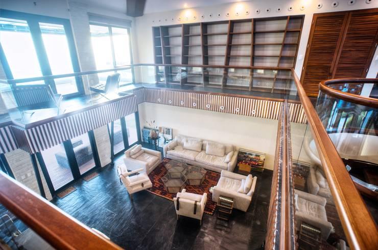 Casa SDLV: Salas de estilo  por sanzpont [arquitectura]