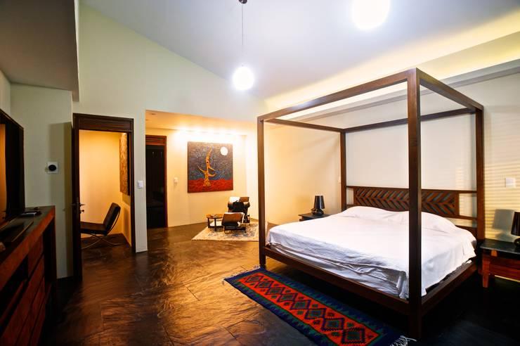 Projekty,  Sypialnia zaprojektowane przez sanzpont [arquitectura]