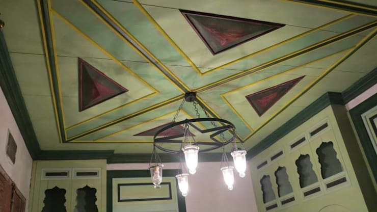 Türk Evi Kütüphanesi – Taşlık Tavan :  tarz Oturma Odası