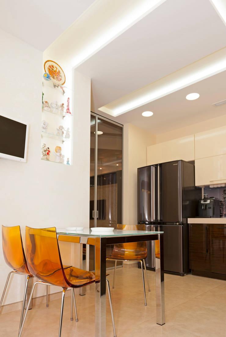 кухня зебрано: Кухни в . Автор – pashchak design, Минимализм