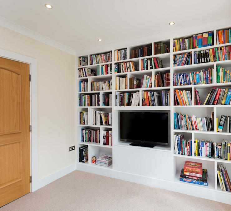 Fitted Media Unit:  Media room by Acastrian Bespoke Fitted Furniture