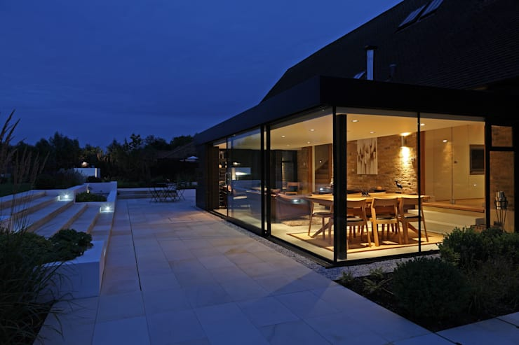 Rumah by Nicolas Tye Architects