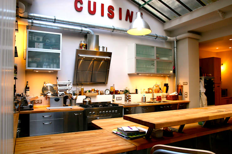 Loft Paris: Cuisine de style  par Cabinet Dario