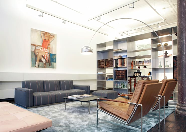 Greene Street Loft:  Living room by Slade Architecture