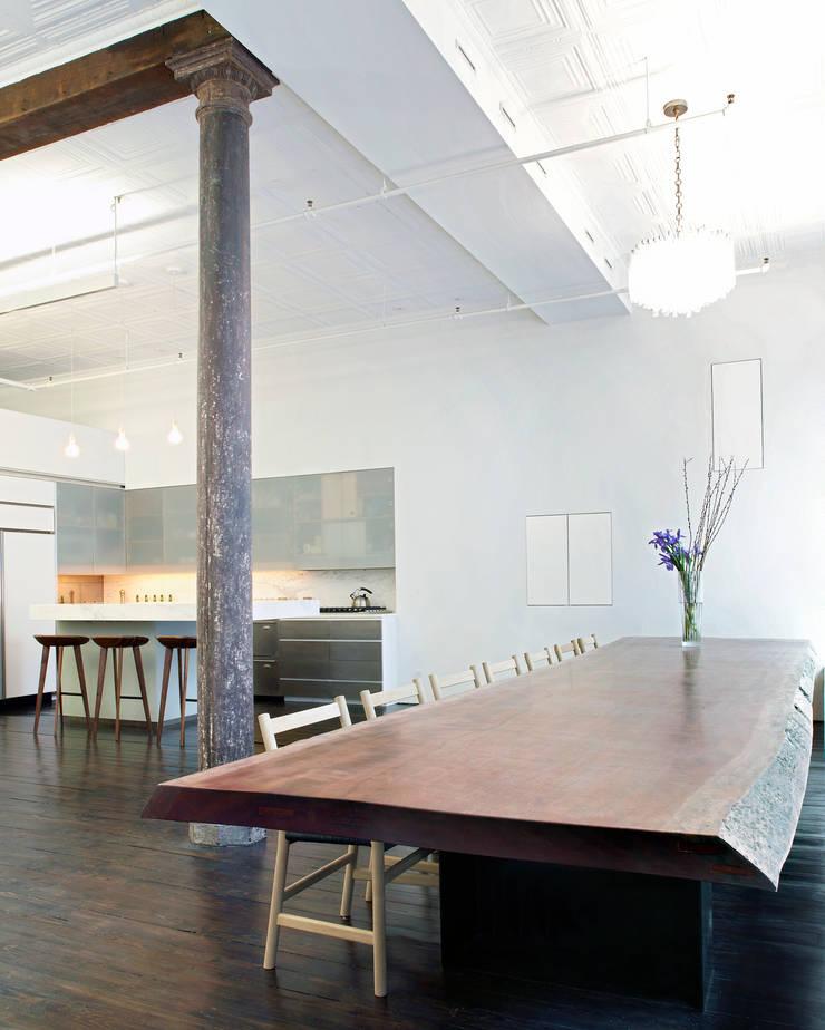 Greene Street Loft:  Dining room by Slade Architecture