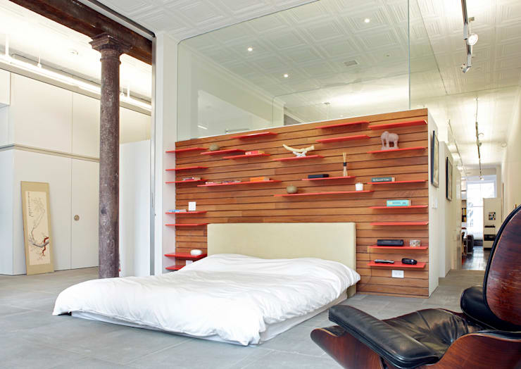 Greene Street Loft:  Bedroom by Slade Architecture