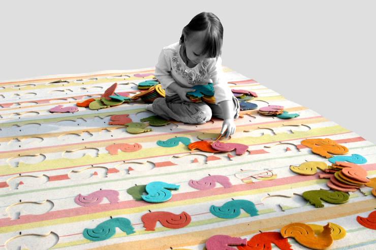 dywan KOGUTY: styl , w kategorii Ściany i podłogi zaprojektowany przez Agnieszka Czop