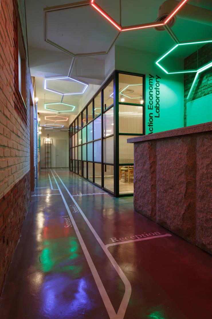 Bangunan Kantor Modern Oleh FRIENDS DESIGN Modern