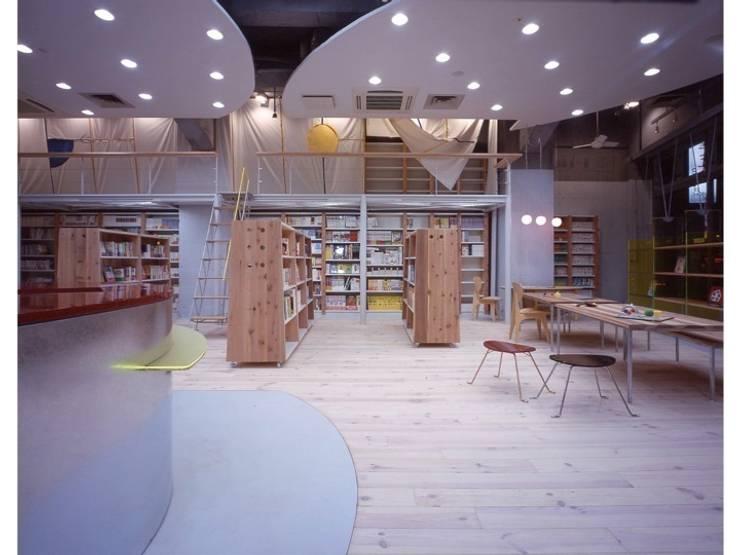ちえの木の実 渋谷 : 株式会社 伊坂デザイン工房が手掛けた商業空間です。