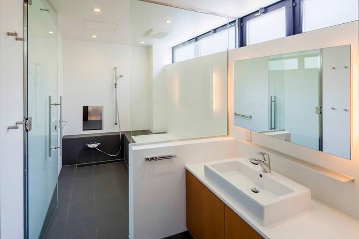 MIY: ZOYA Design Officeが手掛けた浴室です。
