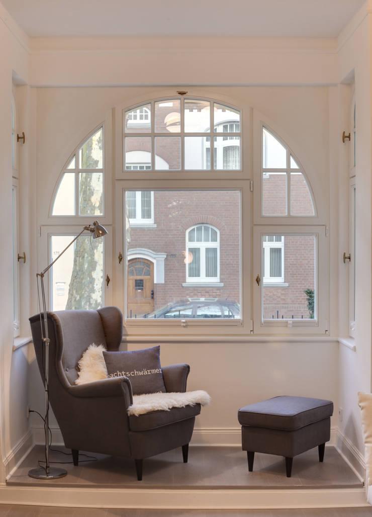 Haus Kaiser:  Wohnzimmer von 28 Grad Architektur GmbH,