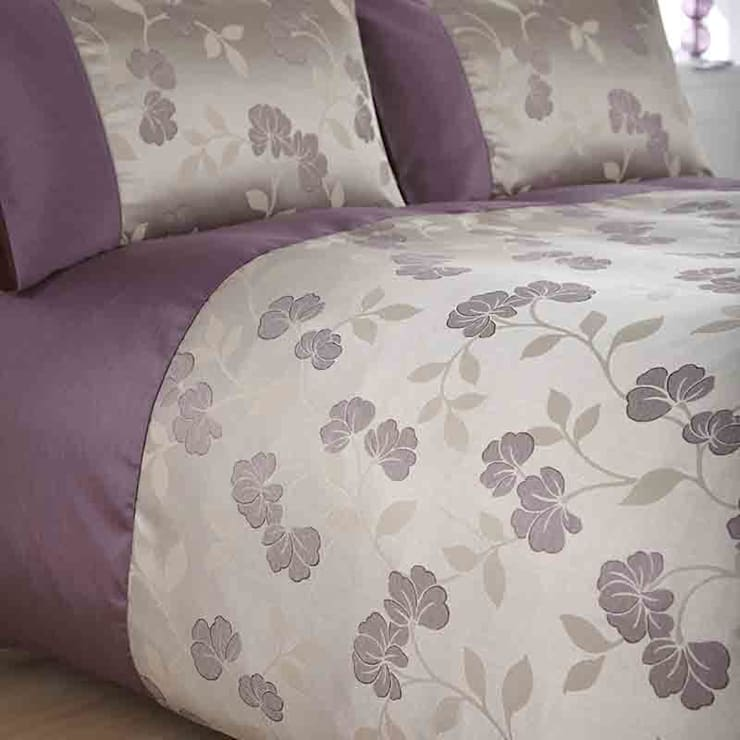 "Charlotte Thomas Francesca Quilted Bed Throw In Plum: Charlotte Thomas ""Francesca"" Collection By We Love Linen"