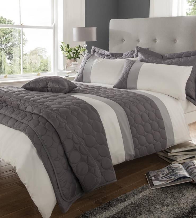 Embossed Circles:  Bedroom by Century Mills