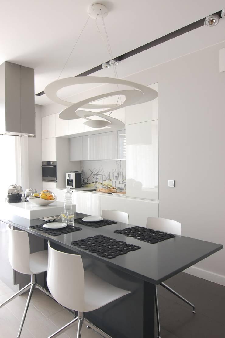 Apartament na Grzybowskiej_ Warszawa: styl , w kategorii Kuchnia zaprojektowany przez I Home Studio Barbara Godawska