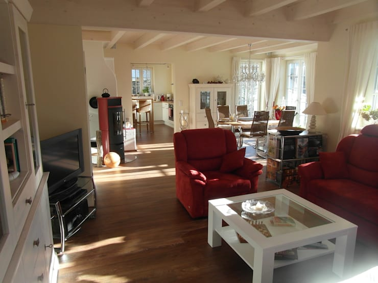 Wohnbereich: landhausstil Wohnzimmer von Architekturbüro Dipl.-Ing. Peter Walach