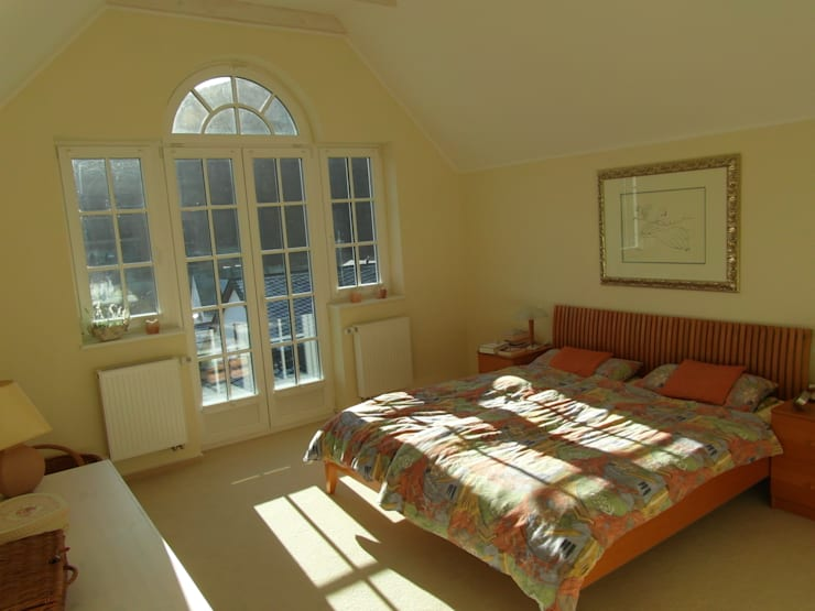 Schlafzimmer: landhausstil Schlafzimmer von Architekturbüro Dipl.-Ing. Peter Walach