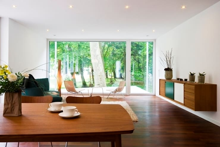 Livings de estilo moderno por Lignotrend Produktions GmbH