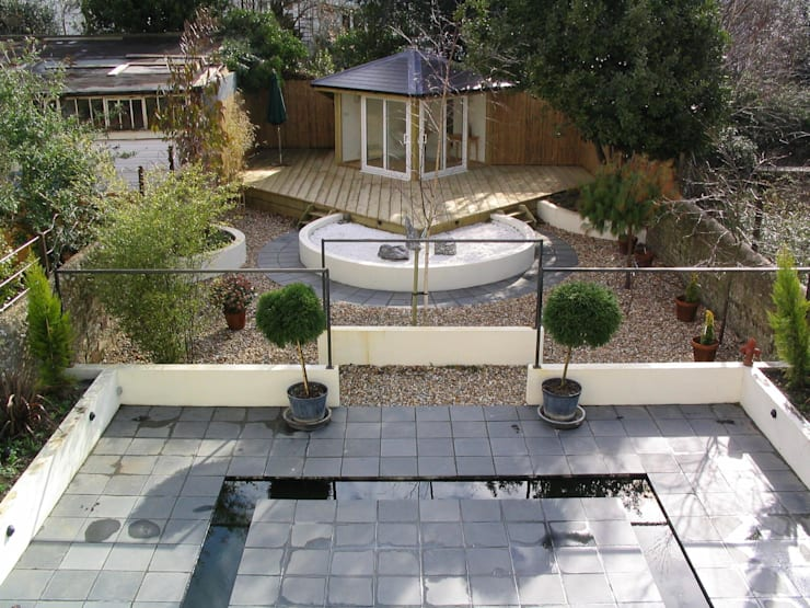 Completed garden:   by Martin Hall Design