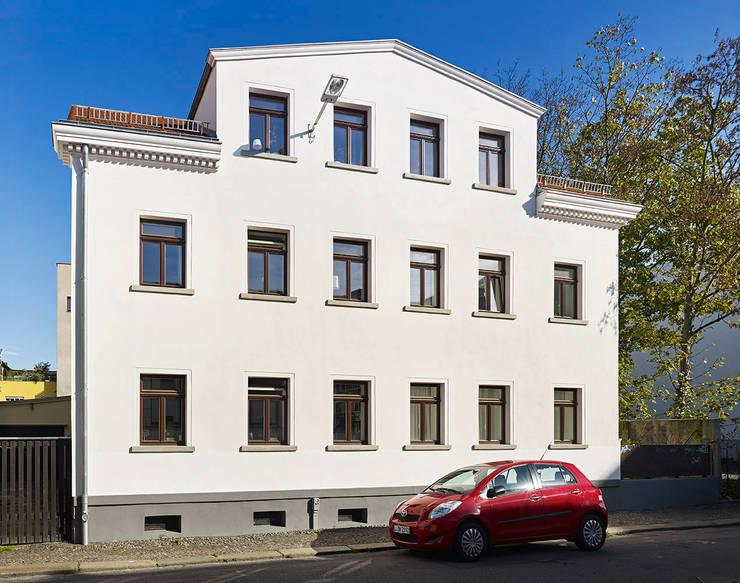 Vorderhaus:  Häuser von quartier vier Architekten Landschaftsarchitekten