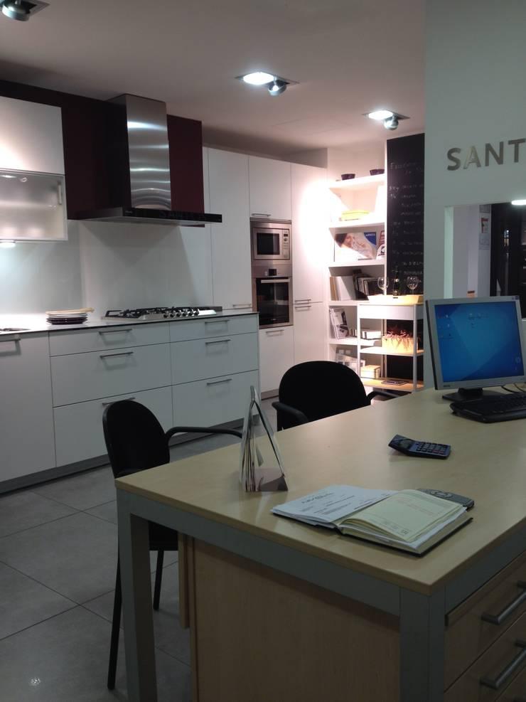 Oficina Técnica: Oficinas y tiendas de estilo  de Nivell Estudi de Cuines, S.L