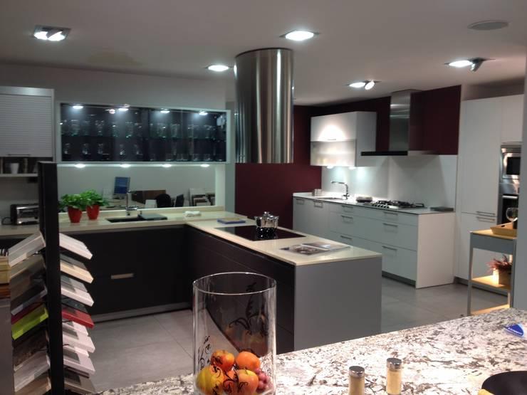 Exposición Minos Ariane E : Cocinas de estilo  de Nivell Estudi de Cuines, S.L