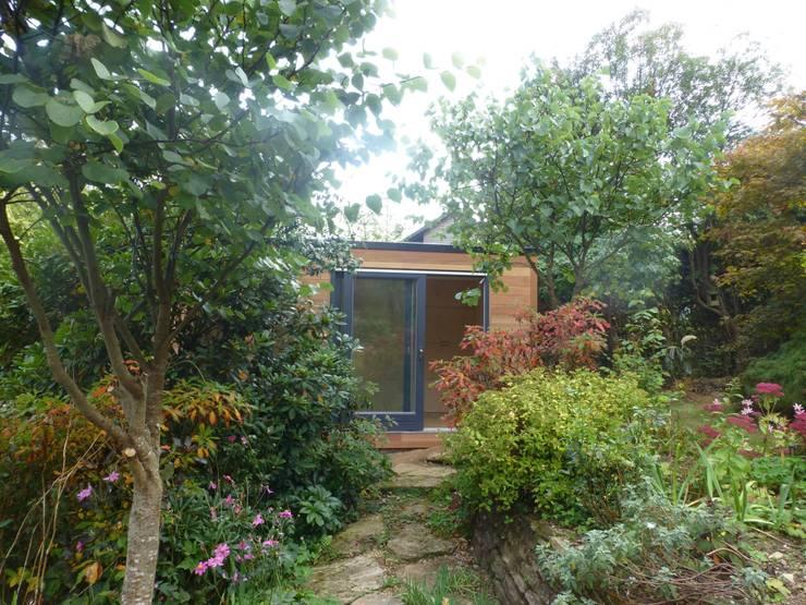 Garden Room - Cornwall:  Garden by sales94