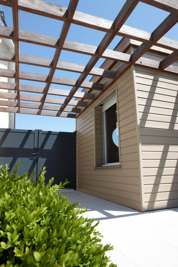 terrasses et pergolas de bois expo distribution par bois expo distribution homify. Black Bedroom Furniture Sets. Home Design Ideas