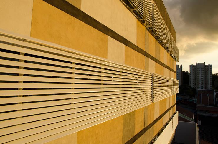 DW Logistics Edifícios comerciais modernos por Logi Arquitetura Moderno