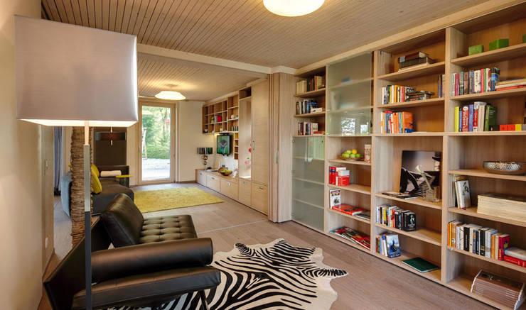 Kinderzimmer und Gästezimmer vereint:   von Sonnleitner Holzbauwerke GmbH & Co. KG