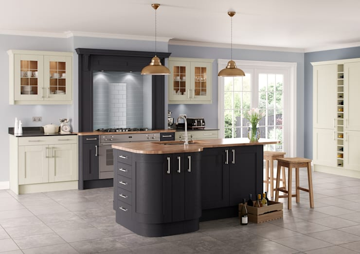 Saltaire Graphite and Ivory Painted Shaker Kitchen:  Kitchen by Sigma 3 Kitchens