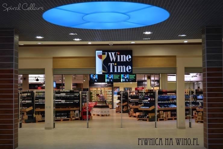 SHOWROOM Spiral Cellars na Ukrainie - Wine Time: styl , w kategorii Piwnica win zaprojektowany przez PIWNICA na WINO