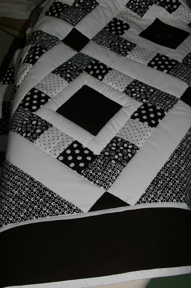 Detail:  Bedroom by Lilliputquilts