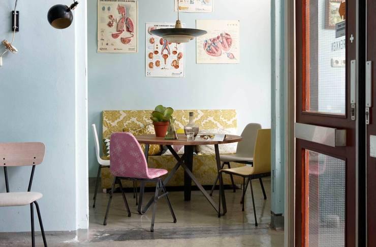 Twister eettafel voor Spoinq:  Eetkamer door Marc Th. van der Voorn