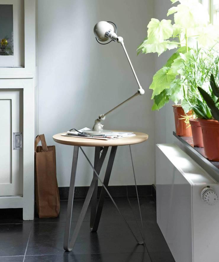 Twister bijzettafel - high:  Keuken door Marc Th. van der Voorn