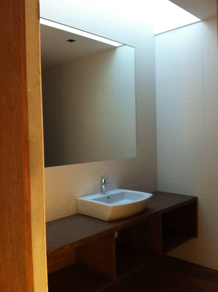Turismo Habitação Rural: Casas de banho  por SAFE Arquitetura