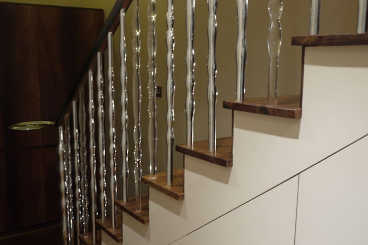 'Pod' hand cast aluminium and clear acrylic sculptural balustrade:  Corridor & hallway by Zigzag Design Studio (Sculptural Structures)