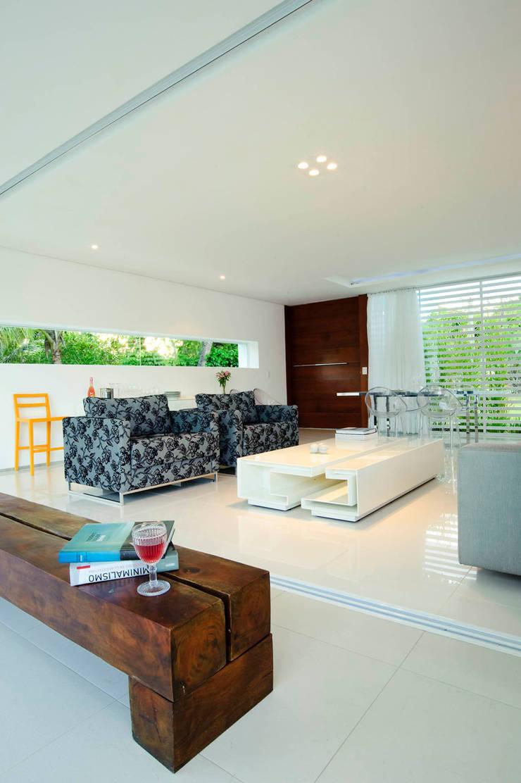 Casa Carqueija: Salas de estar  por dantasbento | Arquitetura + Design