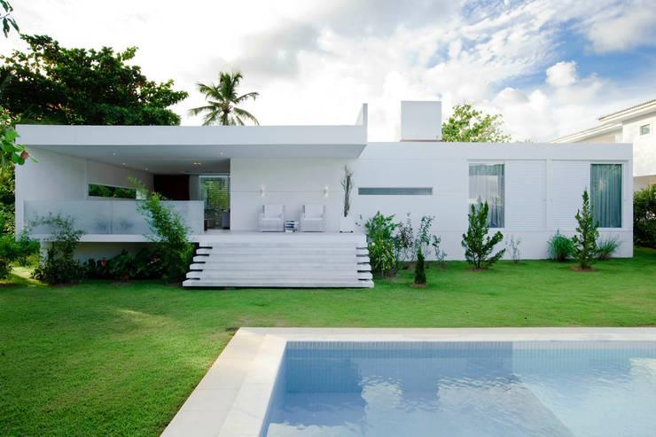 Casa Carqueija: Casas minimalistas por dantasbento | Arquitetura + Design