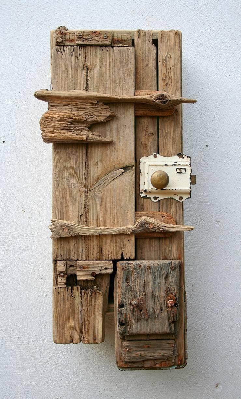 Driftwood wall cabinet:  Bathroom by Julia's Driftwood