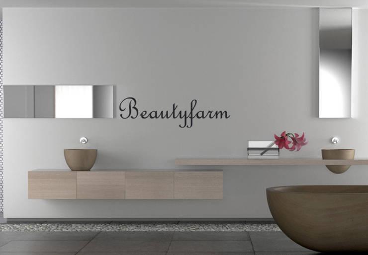 Beauty Farm: Salle de bain de style de style eclectique par wall-art.fr
