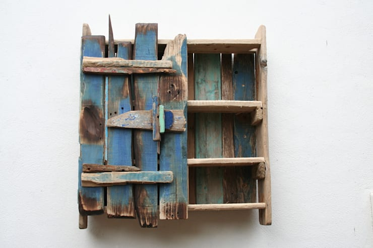 Driftwood wall cabinet:  Kitchen by Julia's Driftwood