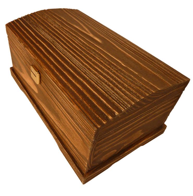 caja de madera los pinos: Hogar de estilo  de Seedmo